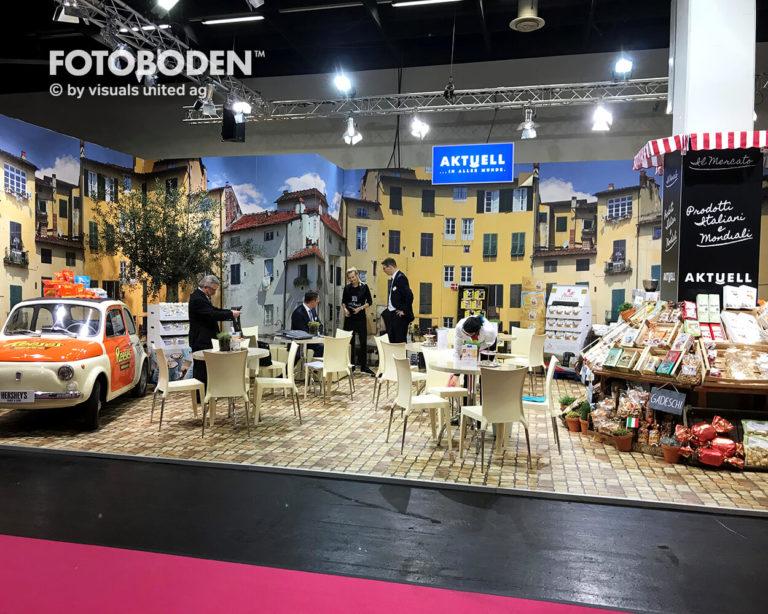 Aktuell_Fotoboden_Messeboden_Tradeshow_Flooring_Bodengestaltung_Messe_Bodendesign_Messedesign_Design_Boden_Messegestaltung_3
