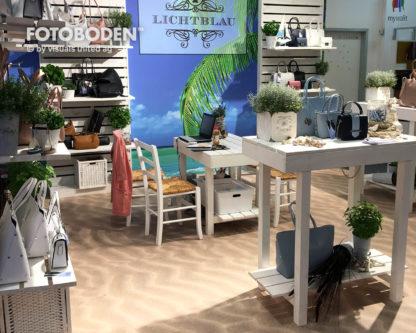 Lichtblau_Fotoboden_Messeboden_Tradeshow_Flooring_Bodengestaltung_Messe_Bodendesign_Messedesign_Design_Boden_Messegestaltung1